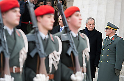 26.01.2017, Heldenplatz, Wien, AUT, Parlament, Militärischer Festakt mit Flaggenparade des österreichischen Bundesheeres anlässlich der Angelobung des neuen Bundespräsidenten Van der Bellen, im Bild v.l.n.r. Bundesminister für Landesverteidigung und Sport Hans Peter Doskozil (SPÖ), Bundespräsident Alexander Van der Bellen und Generalstabschef Othmar Commenda // f.l.t.r. Austrian Minister of Defence and Sport Hans Peter Doskozil, federal president of Austria Alexander Van der Bellen and chief of staff general Othmar Commenda during inauguration ceremony with military honours for the new federal president of austria at Heldenplatz in Vienna, Austria on 2017/01/26, EXPA Pictures © 2017, PhotoCredit: EXPA/ Michael Gruber