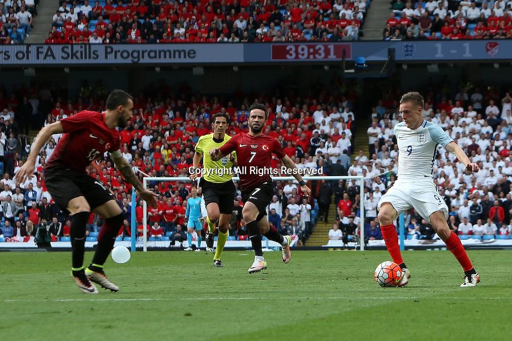 22.05.2016. Etihad Stadium, Manchester, England. International football friendly match, England versus Turkey. Jamie Vardy leads an attack.