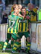 18-05-2008 Voetbal:ADO DEN HAAG:RKC Waalwijk:Waalwijk<br /> ADO Den Haag promoveert naar de eredivisie. Richard Knopper gaat helemaal uit zijn dak als hij de 1-0 heeft binnengeschoten<br /> Foto: Geert van Erven