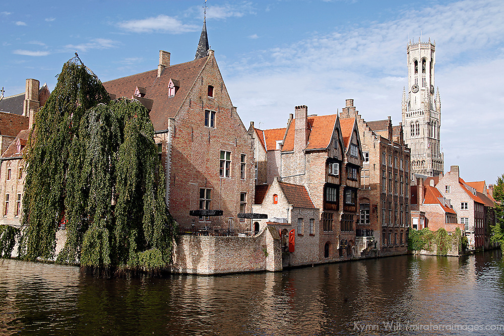Europe, Belgium, Brugges. Scenic Rozenhoedkaai view of canals of Brugges.