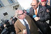 Trani ,  16 03 2010 Procura di Trani arrivo di Michele Santoro foto di Donato Fasano