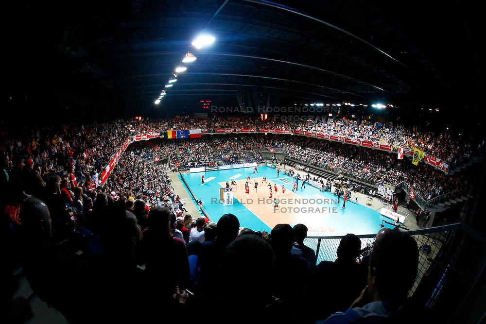 20150121 BEL: Precura Antwerp - PGE Skra Belchatow, Antwerpen<br />Een volle Lotto Arena, Antwerpen, 5000 toeschouwers<br />&copy;2014-FotoHoogendoorn.nl / Pim Waslander