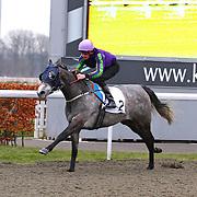 Silver Linnet and Adam Kirby winning the 2.20 race