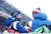 LAHTIS, FINLAND - 2017-03-04: Sveriges f&ouml;rbundskapten Rickard Grip och Norges huvudtr&auml;nare Roar Hjelmeset i f&ouml;rmodad diskussion om Kallas brutna stav under damernas 30 km mass start under FIS Nordic World Ski Championships den 4 mars , 2017 i Lahtis, Finland. Foto: Nils Petter Nilsson/Ombrello<br /> ***BETALBILD***