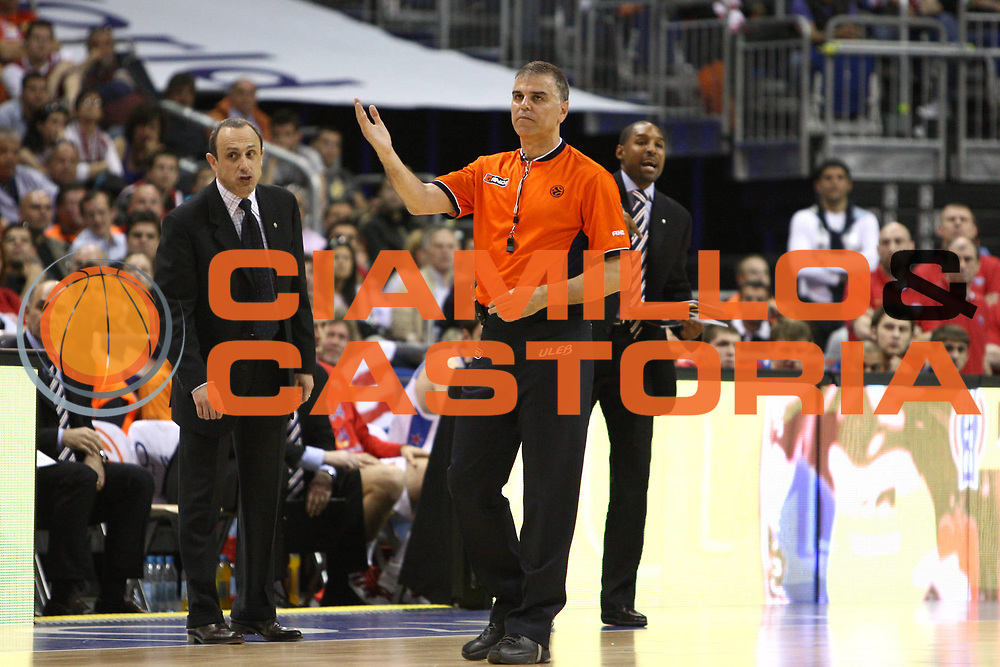 DESCRIZIONE : Berlino Eurolega 2008-09 Final Four Finale Panathinaikos Atene CSKA Mosca <br /> GIOCATORE : Referee<br /> SQUADRA : <br /> EVENTO : Eurolega 2008-2009 <br /> GARA : Panathinaikos Atene CSKA Mosca <br /> DATA : 03/05/2009 <br /> CATEGORIA : Referee <br /> SPORT : Pallacanestro <br /> AUTORE : Agenzia Ciamillo-Castoria/C.De Massis