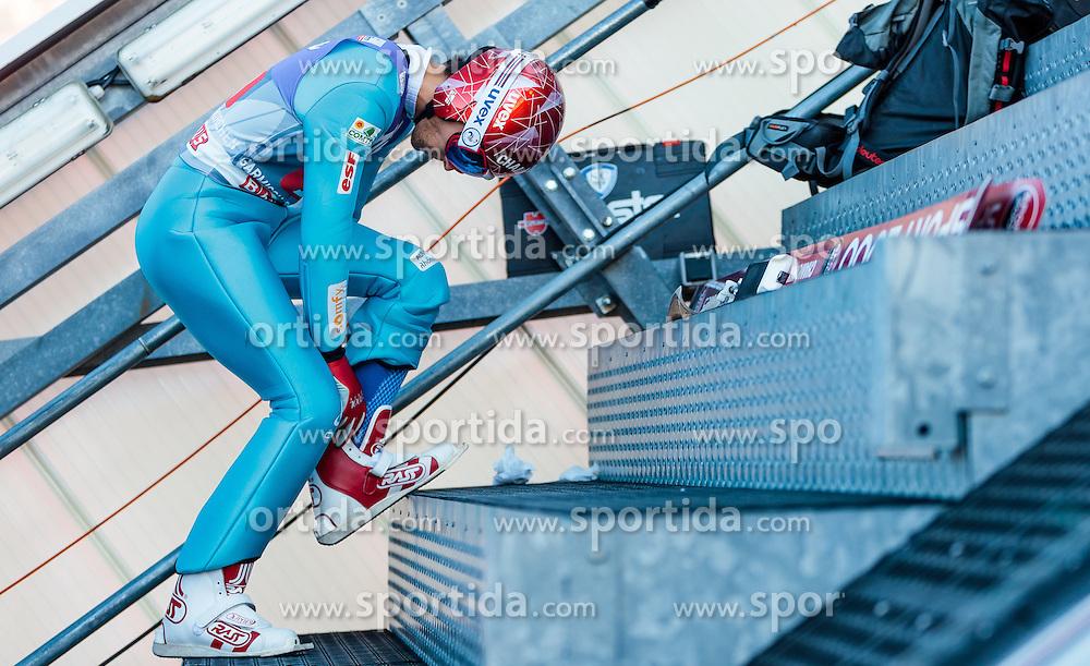 01.01.2017, Olympiaschanze, Garmisch Partenkirchen, GER, FIS Weltcup Ski Sprung, Vierschanzentournee, Garmisch Partenkirchen, Probedurchgang, im Bild Sevoie Vincent Descombes (FRA) // Sevoie Vincent Descombes of France before the Trial Jump for the Four Hills Tournament of FIS Ski Jumping World Cup at the Olympiaschanze in Garmisch Partenkirchen, Germany on 2017/01/01. EXPA Pictures © 2017, PhotoCredit: EXPA/ JFK