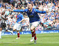 Fotball<br /> Skottland<br /> Foto: Colorsport/Digitalsport<br /> NORWAY ONLY<br /> <br /> Rangers v St Mirren<br /> Scottish Cup Semi Final<br /> Hampden Park<br /> Glasgow<br /> 25th April 2009<br /> <br /> Kris Boyd goal celebrations, Rangers second on the day and his 100th for the club, the first player to do so since Mark Hatley
