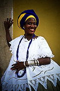 America, Sud America, Brasil, Bahia, Salvador. At Salvador de Bahia, a woman carries a traditional costume. woman from Bahia. -09.05.2002, FILM PHOTO, 60 MB, copyright: Alex Espinosa/Gruppe28.