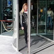 CRO/Zagreb/20130315- K1 WGP Final Zagreb, op de dag van de finale gaat Estellle met familie en vrienden winkelen in de stad, Estelle Cruijff