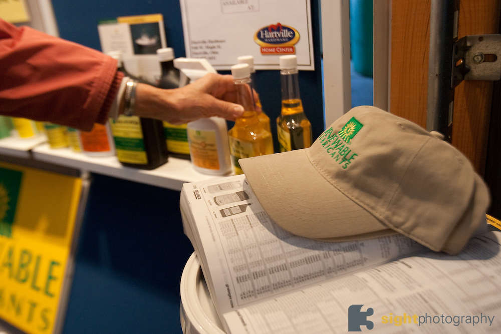 Ohio Agriculture Day at Renewable Lubricants, Inc. .Renewable LubricantsTM, Inc. (RLITM) manufactures ENVIRONMENTALLY RESPONSIBLE lubricant products that are formulated from renewable agricultural plant and animal resources..Photo by Bryan Rinnert/3Sight Photography