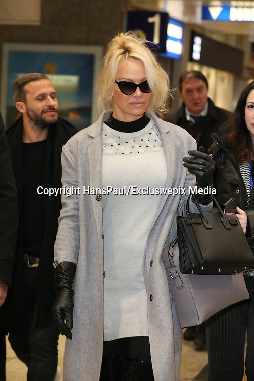 Pamela Anderson arrives by train to Cologne<br /> &copy;HansPaul/Exclusivepix Media