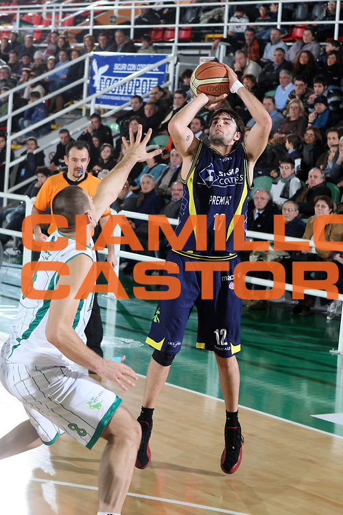 DESCRIZIONE : Avellino Lega A 2009-10 Air Avellino Sigma Coatings Montegranaro<br /> GIOCATORE : Demian Filloy<br /> SQUADRA : Sigma Coatings Montegranaro<br /> EVENTO : Campionato Lega A 2009-2010<br /> GARA : Air Avellino Sigma Coatings Montegranaro<br /> DATA : 10/01/2010<br /> CATEGORIA : tiro<br /> SPORT : Pallacanestro<br /> AUTORE : Agenzia Ciamillo-Castoria/E.Castoria<br /> Galleria : Lega Basket A 2009-2010                                                                      <br /> Fotonotizia : Avellino Campionato Italiano Lega A 2009-2010 Air Avellino    Sigma Coatings Montegranaro<br /> Predefinita :