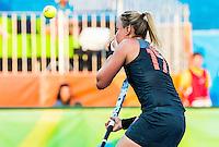 RIO DE JANEIRO -  Maartje Paumen (Ned) mist een strafbal  tijdens de finale tussen de dames van Nederland en  Groot-Brittannie in het Olympic Hockey Center tijdens de Olympische Spelen in Rio.   COPYRIGHT KOEN SUYK