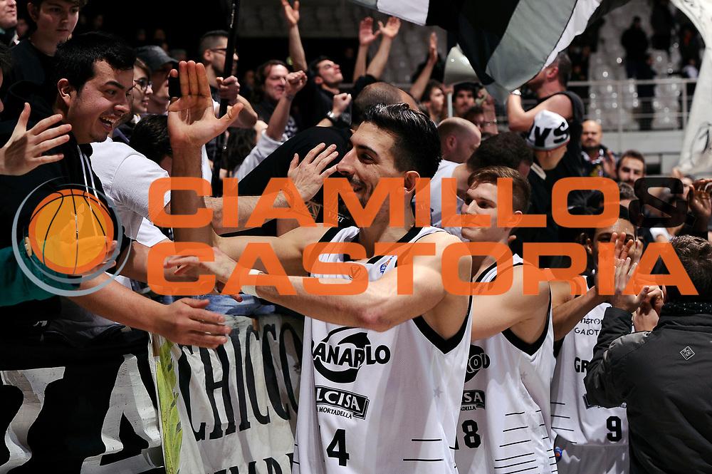 DESCRIZIONE : Bologna Lega A 2014-2015 Granarolo Bologna Dolomiti Energia Trento<br /> GIOCATORE : Valerio Mazzola<br /> CATEGORIA : postgame tifosi<br /> SQUADRA : Granarolo Bologna<br /> EVENTO : Campionato Lega A 2014-2015<br /> GARA : Granarolo Bologna Dolomiti Energia Trento<br /> DATA : 11/01/2015<br /> SPORT : Pallacanestro<br /> AUTORE : Agenzia Ciamillo-Castoria/M.Marchi<br /> GALLERIA : Lega Basket A 2014-2015<br /> FOTONOTIZIA : Bologna Lega A 2014-2015 Granarolo Bologna Dolomiti Energia Trento<br /> PREDEFINITA :