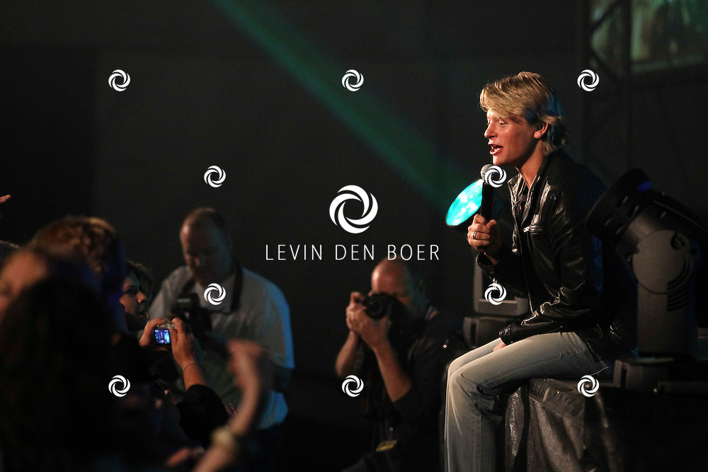ALEM - Tijdens alempop trad Thomas Berge op. Pseudoniem van Chiel Ottink. FOTO LEVIN DEN BOER - PERSFOTO.NU