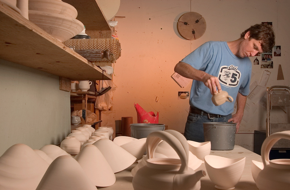 16693School of Art : Ceramics Inside Classroom Studio students..Joe Davis