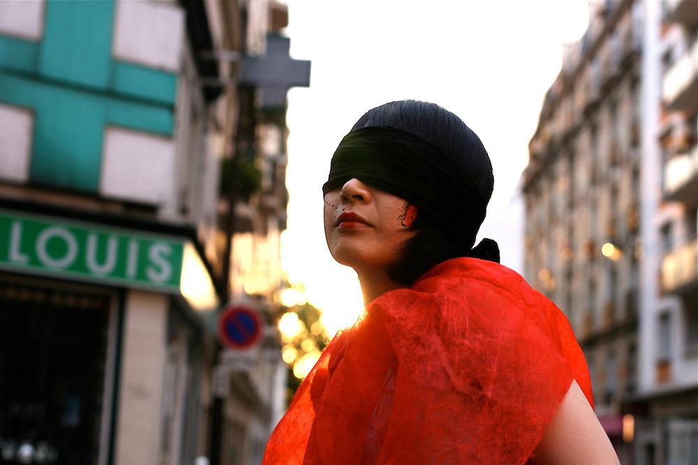 Asusa 3, Paris
