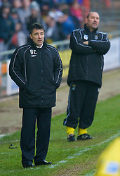 WREXHAM, WALES - Saturday, February 14, 2009: Wrexham's manager Dean Saunders and Grays Athletic's manager Gary Phillips during the Blue Square Premier League match at the Racecourse Ground. (Mandatory credit: David Rawcliffe/Propaganda)