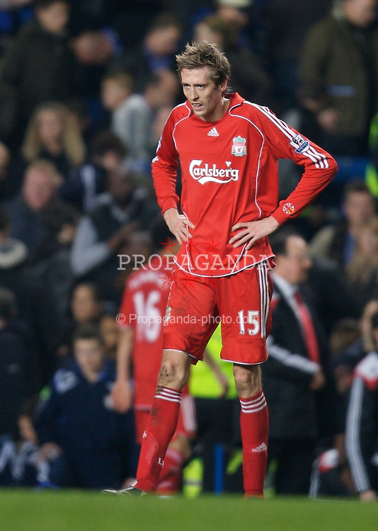 LONDON, ENGLAND - Sunday, February 10, 2008: Liverpool's Peter Crouch rues his missed chances after the goalless draw with Chelsea during the Premiership match at Stamford Bridge. (Photo by David Rawcliffe/Propaganda)