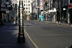 UK ENGLAND LONDON 25DEC04 - Deserted New Bond Street London in the early morning hours...jre/Photo by Jiri Rezac ..© Jiri Rezac 2004..Contact: +44 (0) 7050 110 417.Mobile: +44 (0) 7801 337 683.Office: +44 (0) 20 8968 9635..Email: jiri@jirirezac.com.Web: www.jirirezac.com..© All images Jiri Rezac 2004 - All rights reserved.