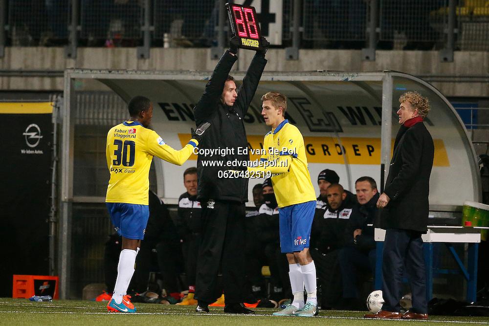 ALKMAAR - 29-11-2014 - Cambuur - AZ,  Cambuur Stadion, 0-2, wissel, SC Cambuur speler Sebastian Steblecki (r), SC Cambuur speler Calvin Mac-Intosch (l).