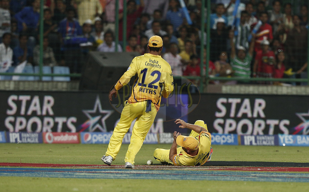 Chennai Superkings Players during match 26 of the Pepsi Indian Premier League Season 2014 between the Delhi Daredevils and the Chennai Superkings held at the Ferozeshah Kotla cricket stadium, Delhi, India on the 5th May  2014<br /> <br /> Photo by Deepak Malik / IPL / SPORTZPICS<br /> <br /> <br /> <br /> Image use subject to terms and conditions which can be found here:  http://sportzpics.photoshelter.com/gallery/Pepsi-IPL-Image-terms-and-conditions/G00004VW1IVJ.gB0/C0000TScjhBM6ikg