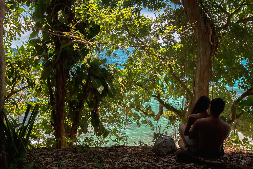 Couple enjoys surroundings near Punta Uva, Costa Rica. Copyright 2017 Reid McNally.