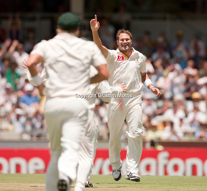 Bowler Ryan Harris celebrates the wicket of Andrew Strauss during the third Ashes test match between Australia and England at the WACA (West Australian Cricket Association) ground in Perth, Australia. Photo: Graham Morris (Tel: +44(0)20 8969 4192 Email: sales@cricketpix.com) 17/12/10