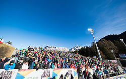 18.12.2016, Grand Risa, La Villa, ITA, FIS Ski Weltcup, Alta Badia, Riesenslalom, Herren, Riesenslalom, Herren, im Bild Fans // Supporter during the men's Giant Slalom of FIS Ski Alpine World Cup at the at the Grand Risa race Course in La Villa, Italy on 2016/12/18. EXPA Pictures © 2016, PhotoCredit: EXPA/ Johann Groder