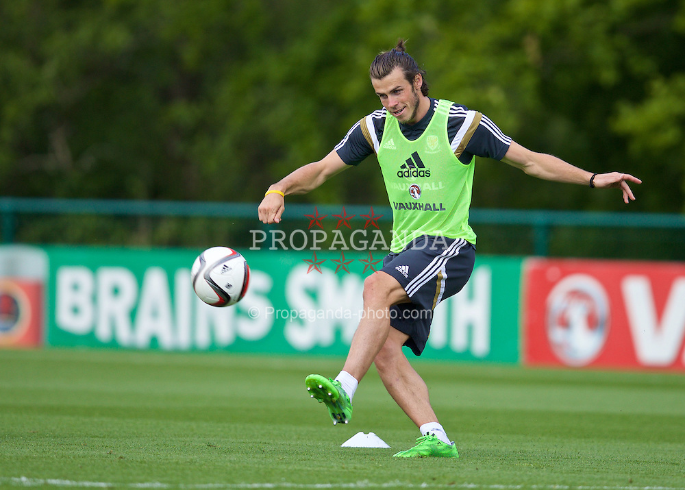 CARDIFF, WALES - Monday, June 8, 2015: Wales' Gareth Bale during a training session at the Vale of Glamorgan ahead of the UEFA Euro 2016 Qualifying Round Group B match against Belgium. (Pic by David Rawcliffe/Propaganda)