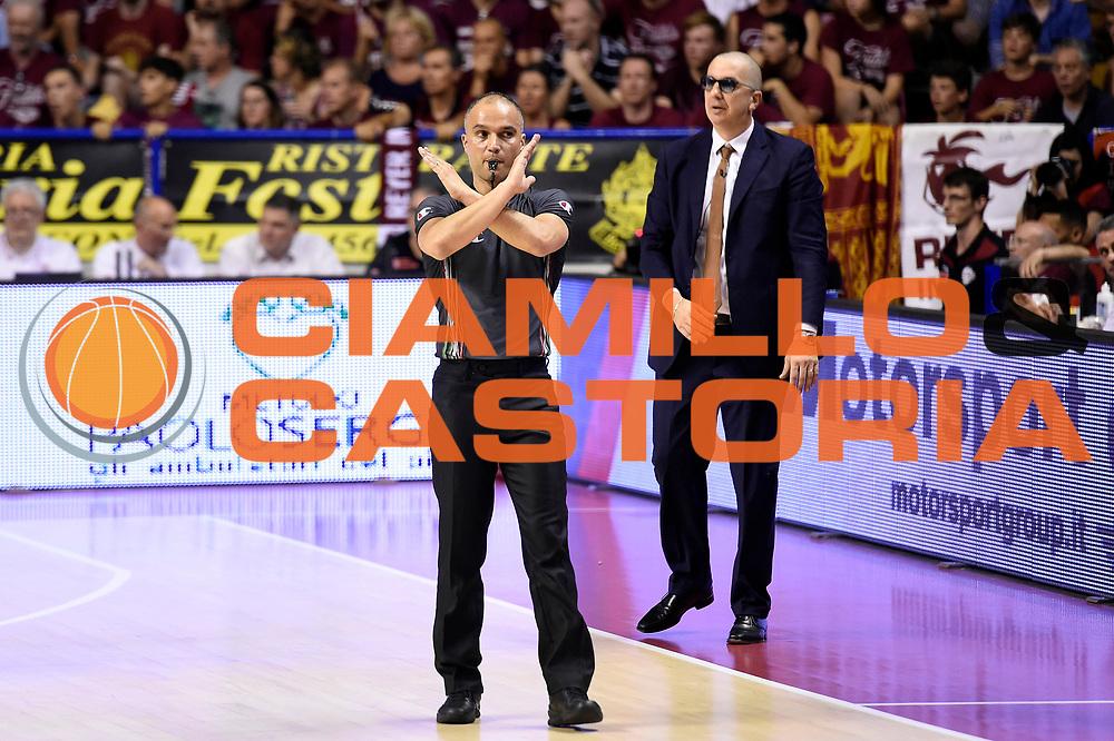 Saverio Lanzarini arbitro<br /> Umana Reyer Venezia - Dolomiti Energia Aquila Basket Trento<br /> Lega Basket Serie A 2016/2017<br /> Playoff, finale gara 2<br /> Venezia, 12/06/2017<br /> Foto M.Ceretti / Ciamillo-Castoria