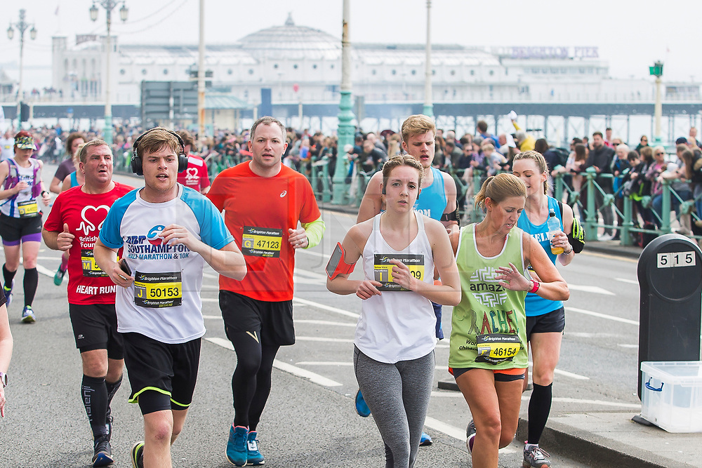 © Licensed to London News Pictures. 15/04/2018. Brighton, UK. Thousands of runners take part in the 2018 Brighton Marathon. Photo credit: Hugo Michiels/LNP