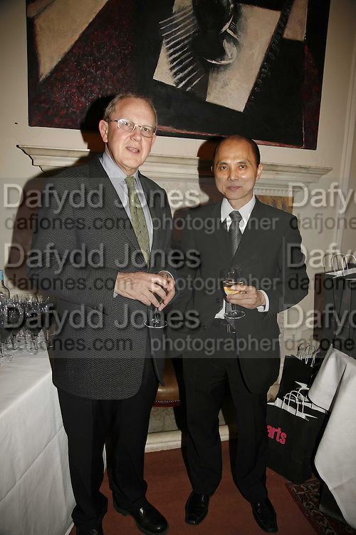 Will Wyatt and Jimmy Choo. Sir Peter Blake and Poppy De Villeneuve host a party with University of the Arts London at the Arts Club, Dover Street, London. 20 APRIL 2006<br />ONE TIME USE ONLY - DO NOT ARCHIVE  &copy; Copyright Photograph by Dafydd Jones 66 Stockwell Park Rd. London SW9 0DA Tel 020 7733 0108 www.dafjones.com