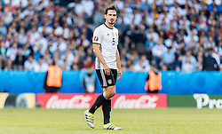 26.06.2016, Stade Pierre Mauroy, Lille, FRA, UEFA Euro 2016, Deutschland vs Slowakei, Achtelfinale, im Bild Mats Hummels (GER) // Mats Hummels (GER) during round of 16 match between Germany and Slovakia of the UEFA EURO 2016 France at the Stade Pierre Mauroy in Lille, France on 2016/06/26. EXPA Pictures © 2016, PhotoCredit: EXPA/ JFK