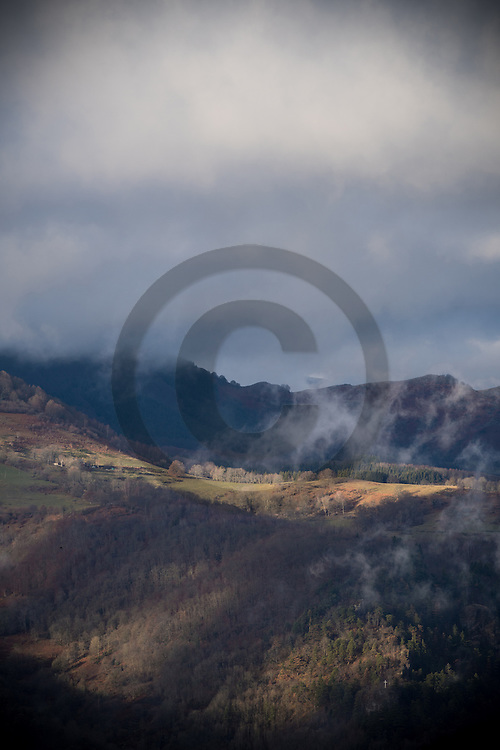 23/12/16 - VALLEE DE LA CERE - CANTAL - FRANCE - Vue des terres d estives entre Vallee de Mandailles et Vallee de la Cere - Photo Jerome CHABANNE