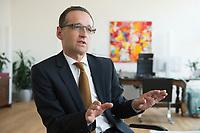 29 APR 2014, BERLIN/GERMANY:<br /> Heiko Maas, SPD, Bundesminister fuer Justiz und Verbraucherschutz, waehrend einem Interview, in seinem Buero, Bundesministerium fuer Justiz und Verbraucherschutz<br /> IMAGE: 20140429-01-015<br /> KEYWORDS: Büro, Bundesjustizminister