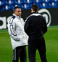 Photo: Daniel Hambury.<br />Chelsea Training Session. 05/12/2005.<br />Frank Lampard and Jose Mourinho talking during training ahead of tomorrows Champions League game against Liverpool.