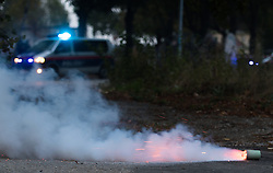 "14.10.2016, Wien, AUT, Medientermin anlässlich einer großen koordinierten Einsatzübung der Wiener Polizei unter dem Titel ""Show of Force"". im Bild Rauchgranate // smoke grenade during counter-terrorist excersice of the viennese police forces in Vienna, Austria on 2016/10/14. EXPA Pictures © 2016, PhotoCredit: EXPA/ Michael Gruber"