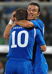 07.09.2010, Stadio Artemio Franchi, Florenz, ITA, UEFA 2012 Qualifier, Italia v Faer Oer, im Bild fabio quagliarella esulta dopo aver segnato il gol con antonio cassano.EXPA Pictures © 2010, PhotoCredit: EXPA/ InsideFoto/ Andrea Staccioli *** ATTENTION *** FOR AUSTRIA AND SLOVENIA USE ONLY! / SPORTIDA PHOTO AGENCY