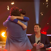 NLD/Hilversum/20140221 - Finale The Voice Kids 2014, Marco Borsato omhelst Ayoub Haach
