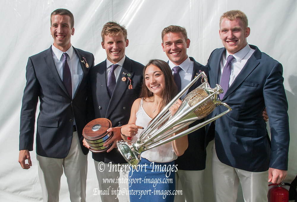 Henley, England. Prince Albert Challenge Cup, winners, University of Washington USA.  2015 Henley Royal Regatta, Henley Reach, River Thames. 17:10:53  Sunday  05/07/2015   [Mandatory Credit. PIntersport Images.