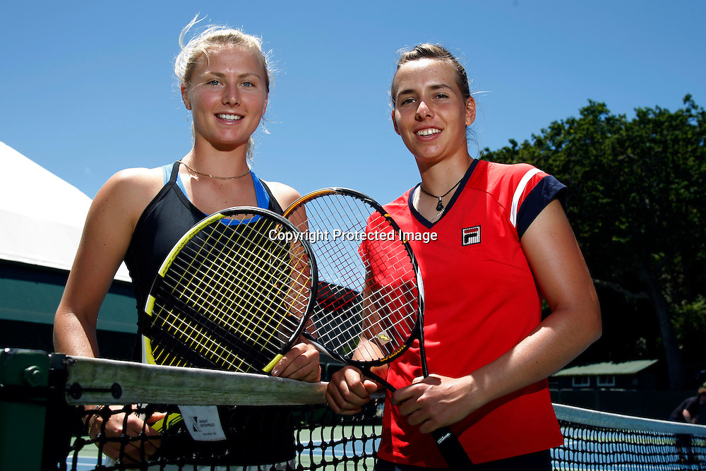 New Zealand's top two female tennis players, Sacha Jones (L) ranked at 162 and Marina Erakovic at 234 during a media photo call to preview the 2010 ASB Classic.<br />ASB Tennis Centre, Parnell, Auckland, New Zealand. Tuesday 8 December 2009.<br />Photo: Andrew Cornaga/PHOTOSPORT