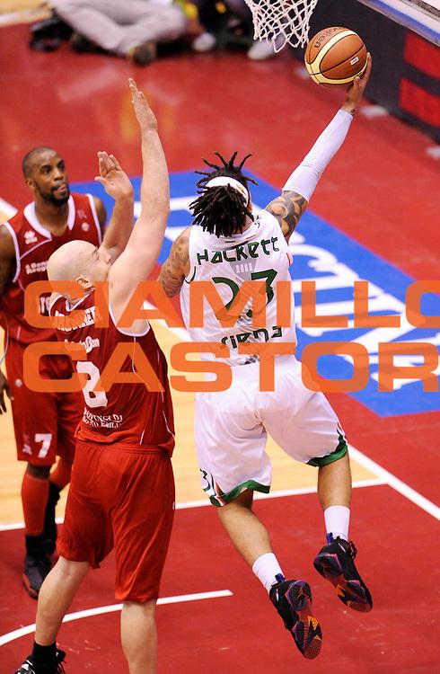 DESCRIZIONE : Milano Coppa Italia Final Eight 2013 Quarti di Finale Montepaschi Siena Trenkwalder Reggio Emilia<br /> GIOCATORE : Daniel Hackett <br /> CATEGORIA : Tiro<br /> SQUADRA : Montepaschi Siena <br /> EVENTO : Beko Coppa Italia Final Eight 2013<br /> GARA : Montepaschi Siena Trenkwalder Reggio Emilia<br /> DATA : 08/02/2013<br /> SPORT : Pallacanestro<br /> AUTORE : Agenzia Ciamillo-Castoria/A.Giberti<br /> Galleria : Lega Basket Final Eight Coppa Italia 2013<br /> Fotonotizia : Milano Coppa Italia Final Eight 2013 Quarti di Finale Montepaschi Siena Trenkwalder Reggio Emilia<br /> Predefinita :