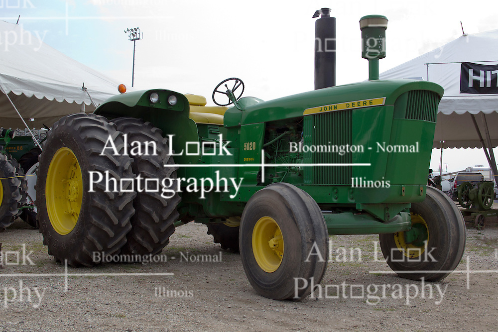 01 August 2014:   McLean County Fair.  5020 John Deere at the antique tractor display.