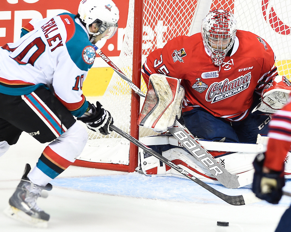 Action from the championship game at the 2015 MasterCard Memorial Cup between the Oshawa Generals and Kelowna Rockets at Pepsi Colisee in Quebec City on Sunday, May 31, 2105. Photo by Aaron Bell/CHL Images