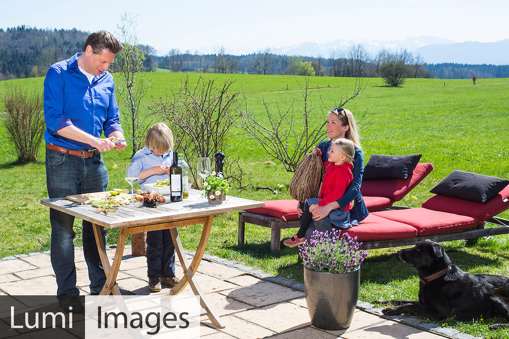 Family, Picnic, Happiness, Carefree, Preparation, Cooking,