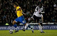 Photo: Steve Bond/Richard Lane Photography. Derby County v Crystal Palace. Coca Cola Championship. 06/12/2008. Nick Carle (L) goes past Darren Powell (R)