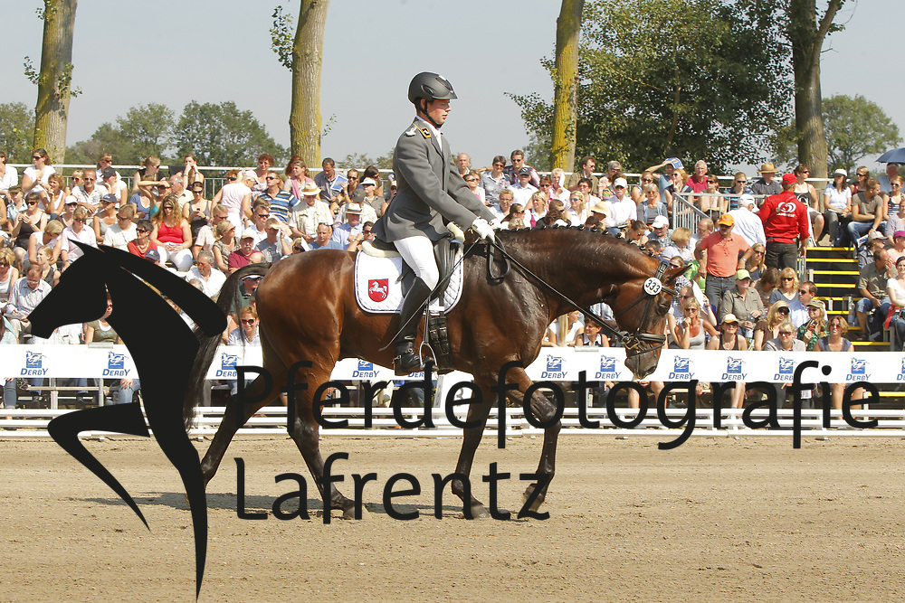 HABERMANN Mike, Don Darius 4<br /> Warendorf Bundeschampionate - 2011<br /> <br /> (c) www.sportfotos-Lafrentz. de/Stefan Lafrentz