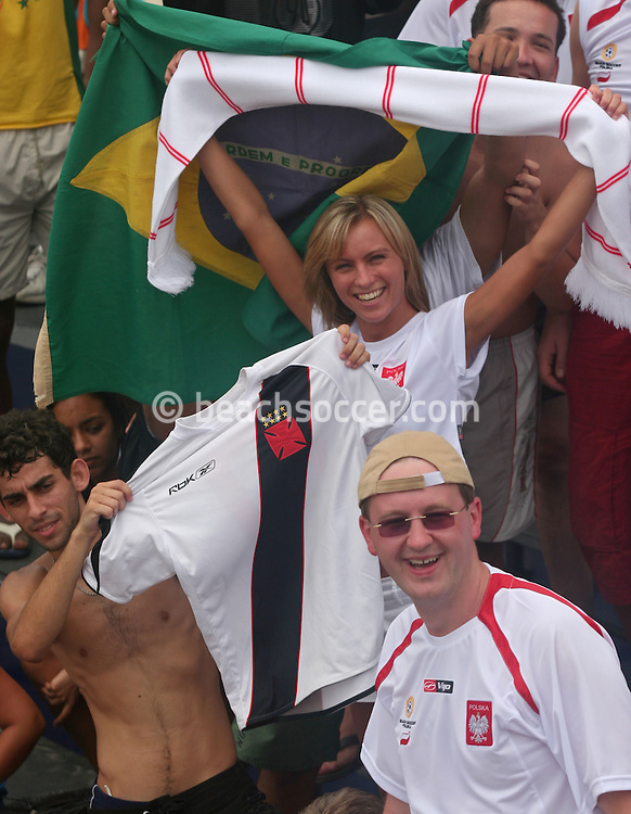 Football - FIFA Beach Soccer World Cup 2006 - Group A - BRA x POL - Rio de Janeiro - Brazil 03/11/2006<br />