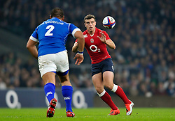 George Ford of England receives the ball - Photo mandatory by-line: Patrick Khachfe/JMP - Mobile: 07966 386802 22/11/2014 - SPORT - RUGBY UNION - London - Twickenham Stadium - England v Samoa - QBE Internationals